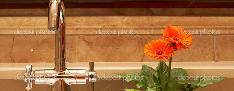 Banheiro limpo, cheiroso com aroma e cheio de boas energias.
